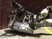 [VIDEO] Smart Robot, Dumb Robot